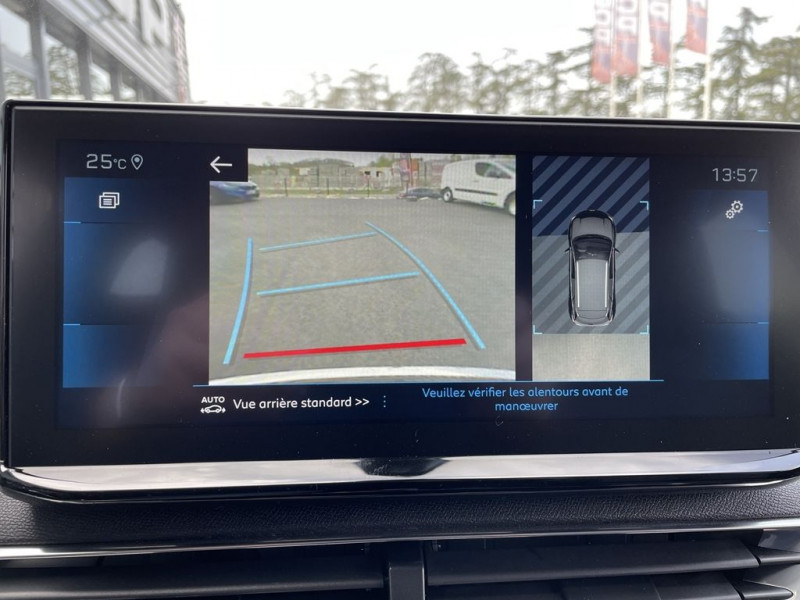Photo 8 de l'offre de PEUGEOT 3008 1.5 BLUEHDI 130CH S&S ALLURE EAT8 à 34990€ chez BCP Automobiles
