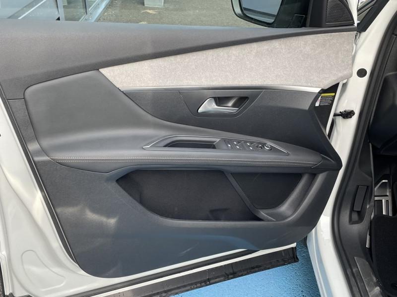 Photo 13 de l'offre de PEUGEOT 3008 1.5 BLUEHDI 130CH S&S GT à 34990€ chez BCP Automobiles