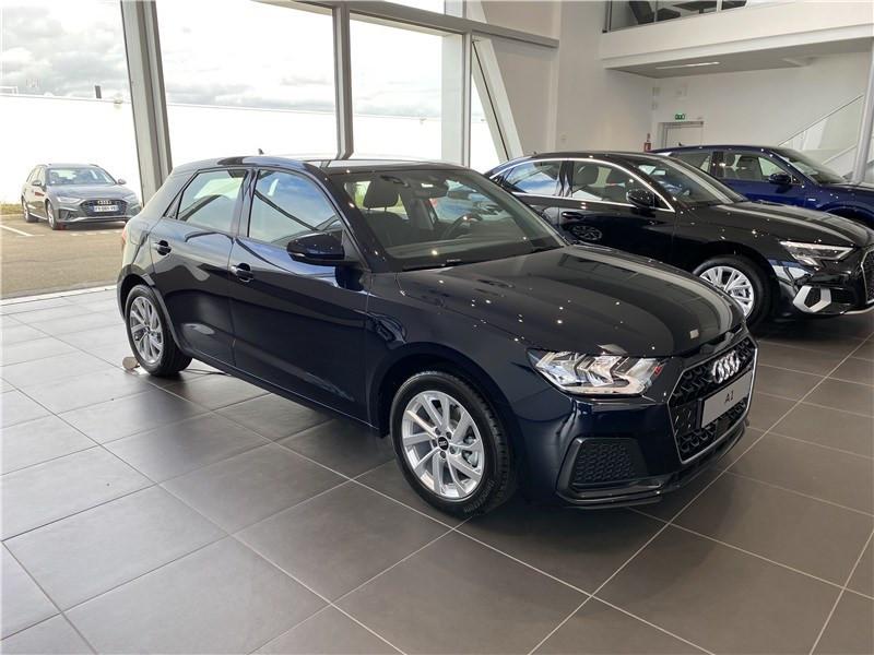 Audi A1 30 TFSI 110 CH BVM6 Essence sans plomb BLEU FIRMAMENT Occasion à vendre