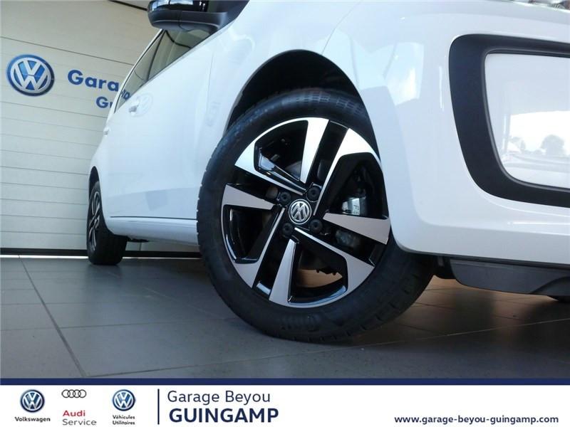 Photo 9 de l'offre de VOLKSWAGEN UP 1.0 75 BLUEMOTION TECHNOLOGY BVM5 à 9990€ chez Garage Beyou - Volkswagen Guingamp
