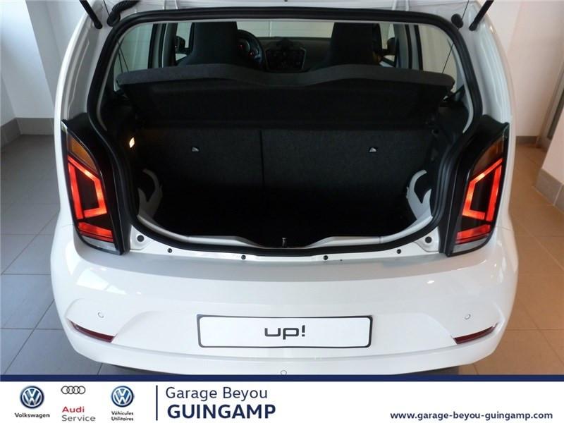 Photo 8 de l'offre de VOLKSWAGEN UP 1.0 75 BLUEMOTION TECHNOLOGY BVM5 à 9990€ chez Garage Beyou - Volkswagen Guingamp