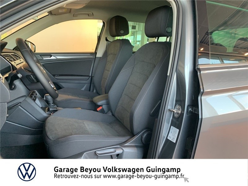 Photo 17 de l'offre de VOLKSWAGEN TIGUAN 2.0 TDI 150 DSG7 à 37490€ chez Garage Beyou - Volkswagen Guingamp