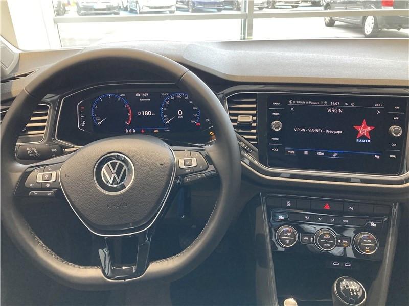 Photo 5 de l'offre de VOLKSWAGEN T-ROC 1.5 TSI 150 EVO START/STOP BVM6 à 32155€ chez Garage Beyou- Volkswagen Morlaix