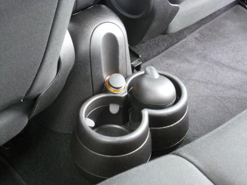 Photo 31 de l'offre de MINI COUNTRYMAN COOPER D 112CH à 19990€ chez Azur Automobile