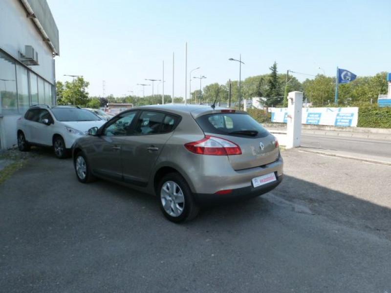 Photo 13 de l'offre de RENAULT MEGANE III 1.5 DCI110 FAP EXPRESSION ECO² à 14990€ chez Azur Automobile