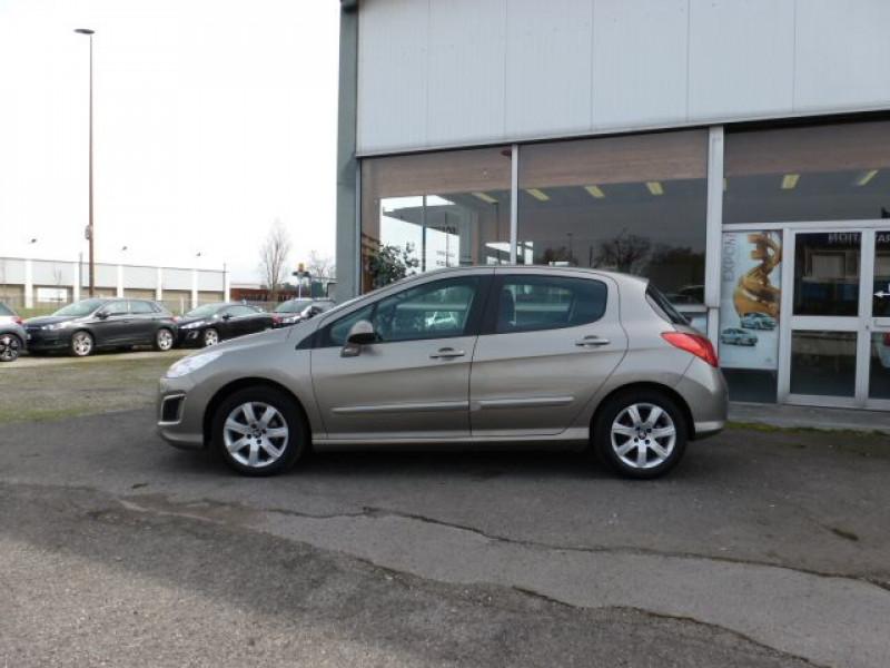 Photo 2 de l'offre de PEUGEOT 308 1.6 E-HDI112 FAP ACTIVE 5P à 11990€ chez Azur Automobile