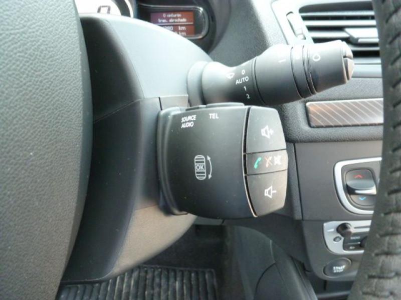 Photo 19 de l'offre de RENAULT MEGANE III 1.5 DCI110 FAP EXPRESSION ECO² à 14990€ chez Azur Automobile