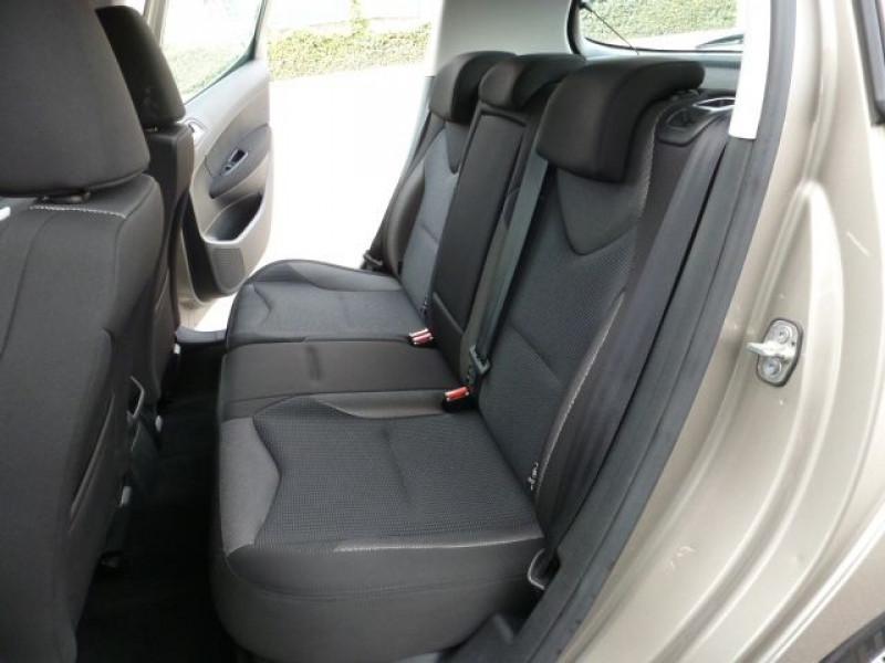 Photo 15 de l'offre de PEUGEOT 308 1.6 E-HDI112 FAP ACTIVE 5P à 11990€ chez Azur Automobile