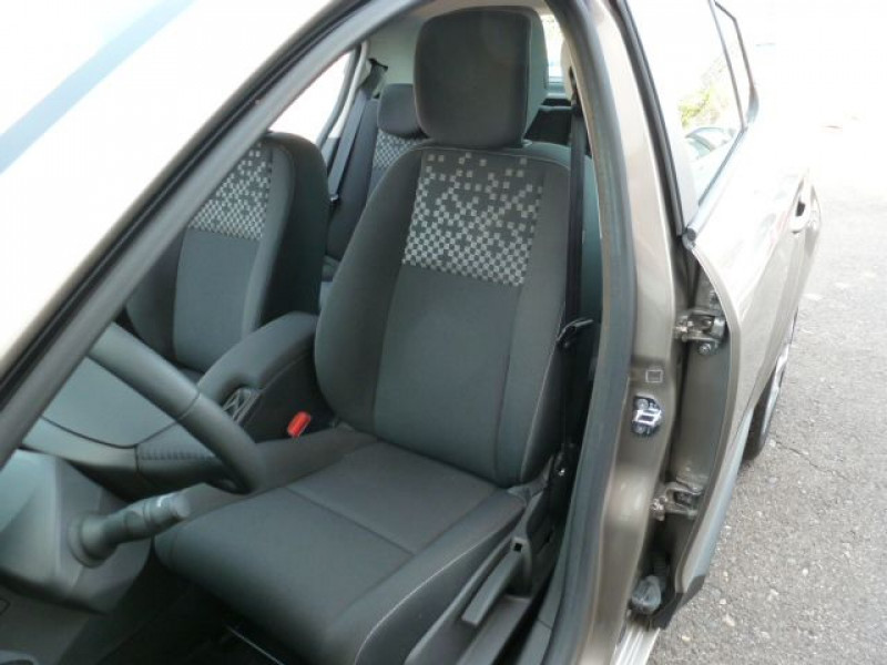 Photo 23 de l'offre de RENAULT MEGANE III 1.5 DCI110 FAP EXPRESSION ECO² à 14990€ chez Azur Automobile