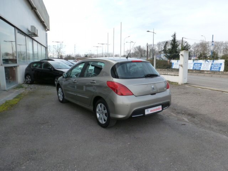 Photo 12 de l'offre de PEUGEOT 308 1.6 E-HDI112 FAP ACTIVE 5P à 11990€ chez Azur Automobile