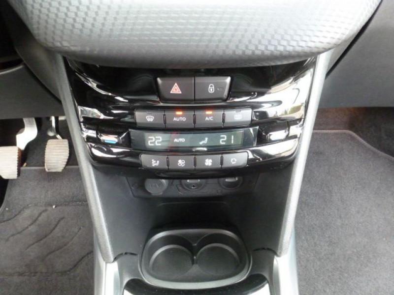 Photo 16 de l'offre de PEUGEOT 2008 1.6 E-HDI115 FAP ALLURE à 19900€ chez Azur Automobile