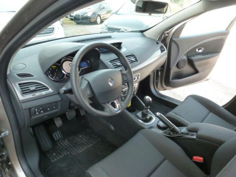 Photo 7 de l'offre de RENAULT MEGANE III 1.5 DCI110 FAP EXPRESSION ECO² à 14990€ chez Azur Automobile