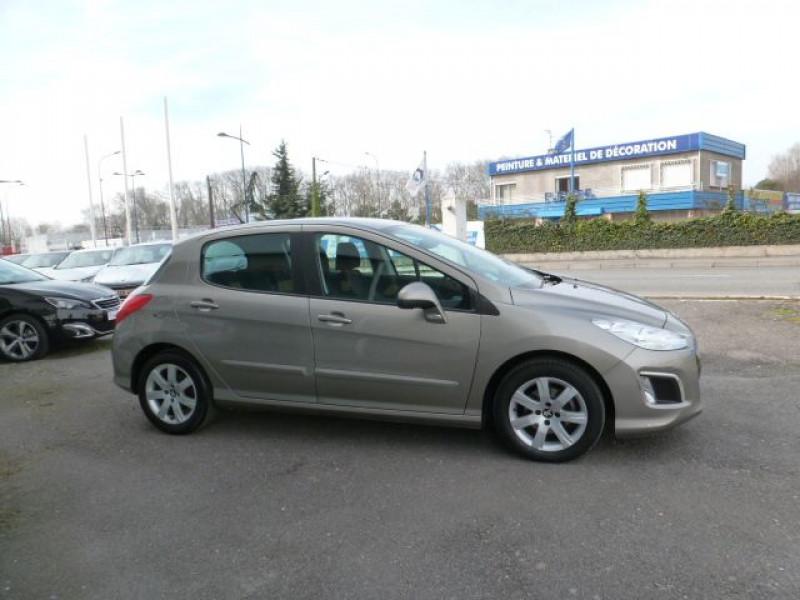 Photo 4 de l'offre de PEUGEOT 308 1.6 E-HDI112 FAP ACTIVE 5P à 11990€ chez Azur Automobile