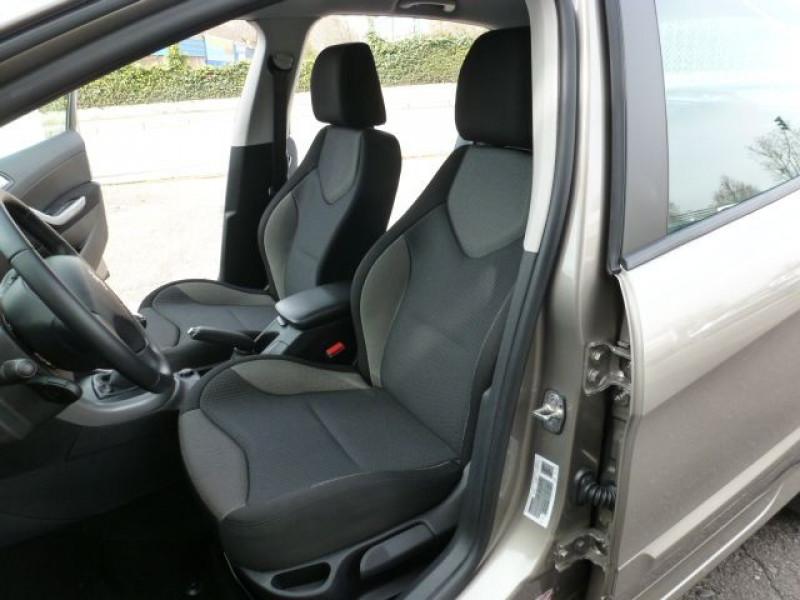 Photo 18 de l'offre de PEUGEOT 308 1.6 E-HDI112 FAP ACTIVE 5P à 11990€ chez Azur Automobile