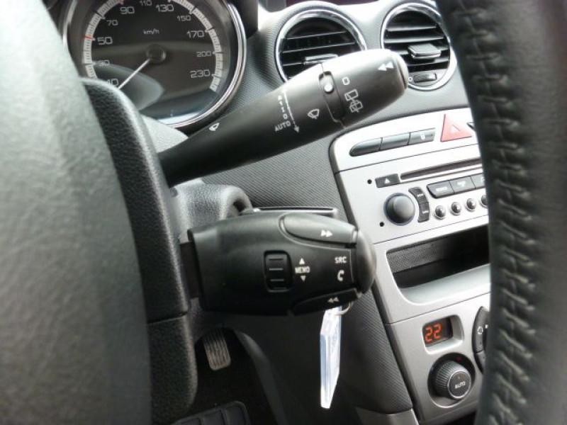 Photo 16 de l'offre de PEUGEOT 308 1.6 E-HDI112 FAP ACTIVE 5P à 11990€ chez Azur Automobile