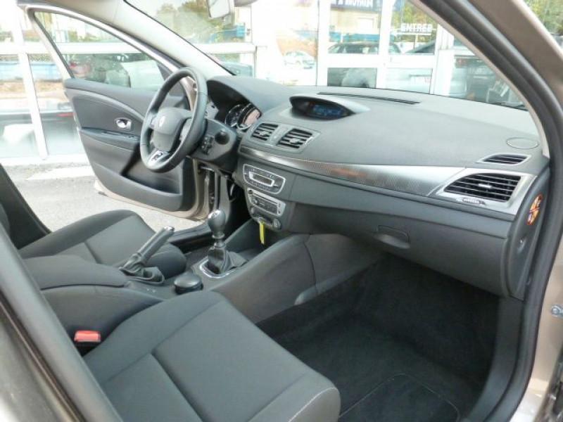 Photo 6 de l'offre de RENAULT MEGANE III 1.5 DCI110 FAP EXPRESSION ECO² à 14990€ chez Azur Automobile