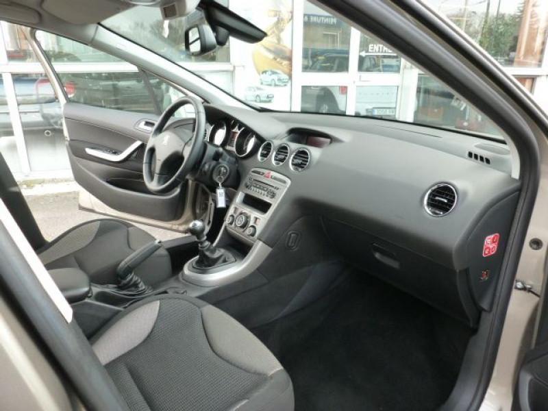 Photo 6 de l'offre de PEUGEOT 308 1.6 E-HDI112 FAP ACTIVE 5P à 11990€ chez Azur Automobile