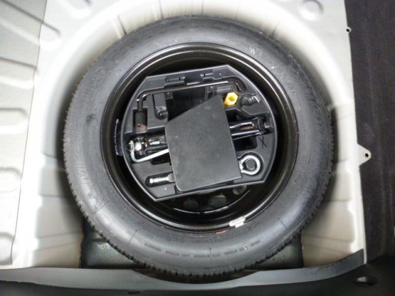 Photo 13 de l'offre de PEUGEOT 308 1.6 E-HDI112 FAP ACTIVE 5P à 11990€ chez Azur Automobile