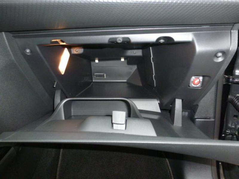 Photo 32 de l'offre de PEUGEOT 2008 1.6 BLUEHDI 120CH ALLURE S&S à 19990€ chez Azur Automobile
