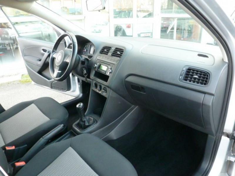 Photo 5 de l'offre de VOLKSWAGEN POLO 1.2 TSI 90CH BLUEMOTION TECHNOLOGY CONFORTLINE 5P à 10490€ chez Azur Automobile