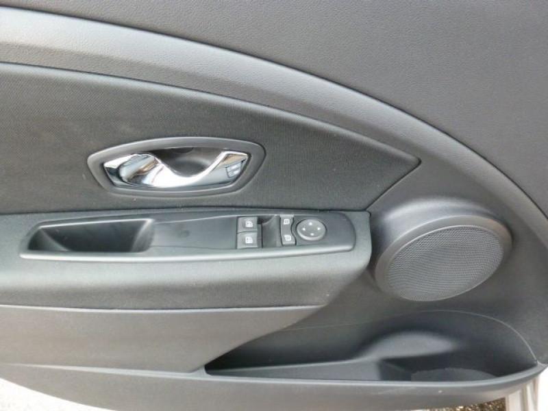 Photo 24 de l'offre de RENAULT MEGANE III 1.5 DCI110 FAP EXPRESSION ECO² à 14990€ chez Azur Automobile