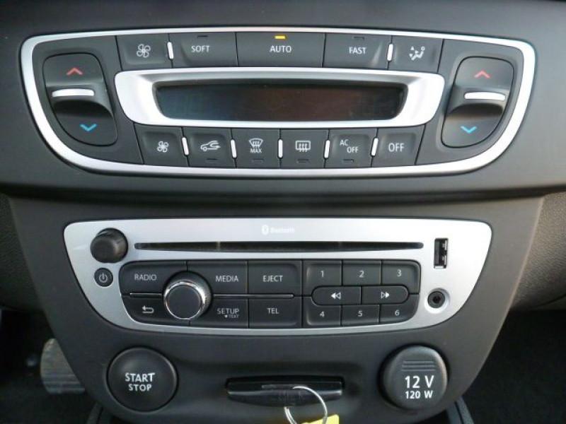 Photo 10 de l'offre de RENAULT MEGANE III 1.5 DCI110 FAP EXPRESSION ECO² à 14990€ chez Azur Automobile