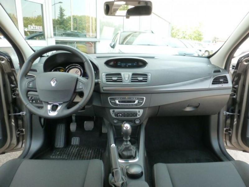 Photo 9 de l'offre de RENAULT MEGANE III 1.5 DCI110 FAP EXPRESSION ECO² à 14990€ chez Azur Automobile