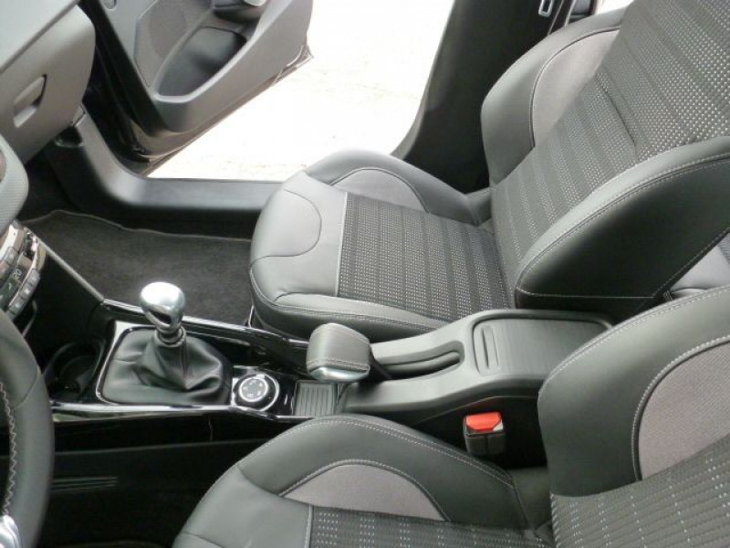 Photo 28 de l'offre de PEUGEOT 2008 1.6 BLUEHDI 120CH ALLURE S&S à 19990€ chez Azur Automobile