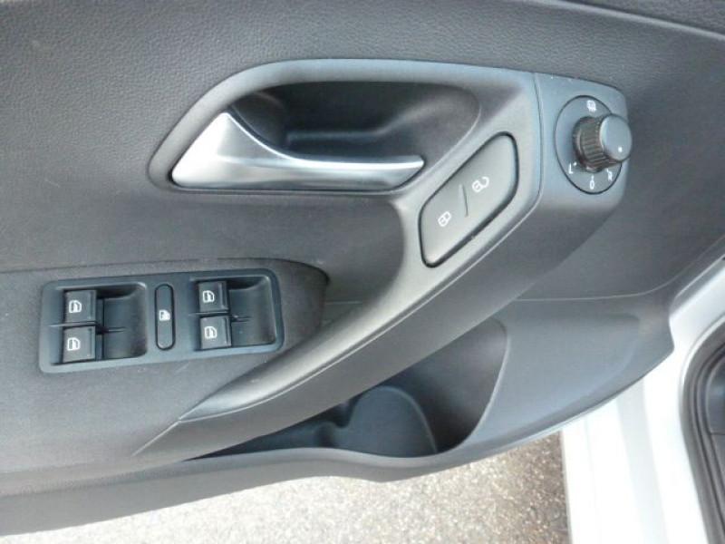 Photo 25 de l'offre de VOLKSWAGEN POLO 1.2 TSI 90CH BLUEMOTION TECHNOLOGY CONFORTLINE 5P à 10490€ chez Azur Automobile