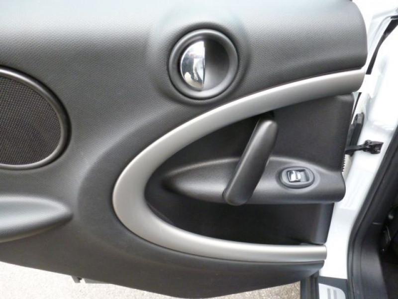 Photo 28 de l'offre de MINI COUNTRYMAN COOPER D 112CH à 19990€ chez Azur Automobile