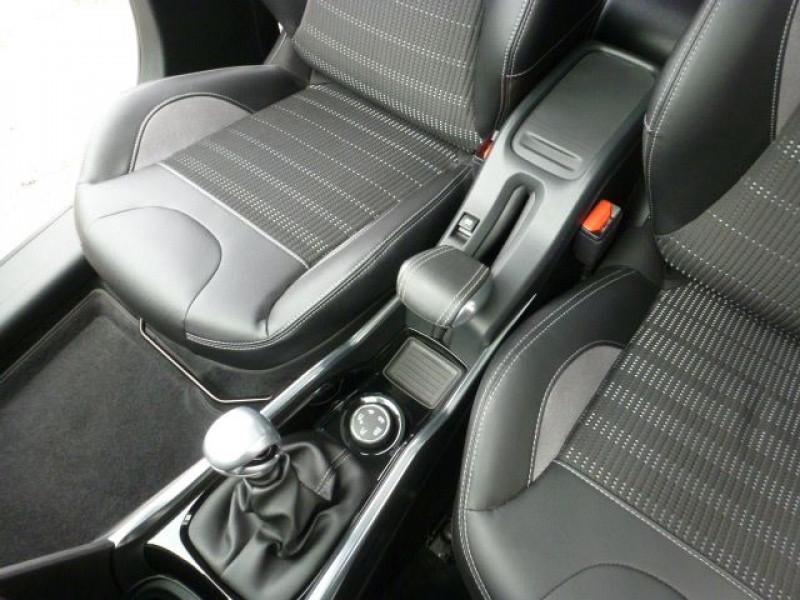 Photo 28 de l'offre de PEUGEOT 2008 1.6 E-HDI115 FAP ALLURE à 19900€ chez Azur Automobile