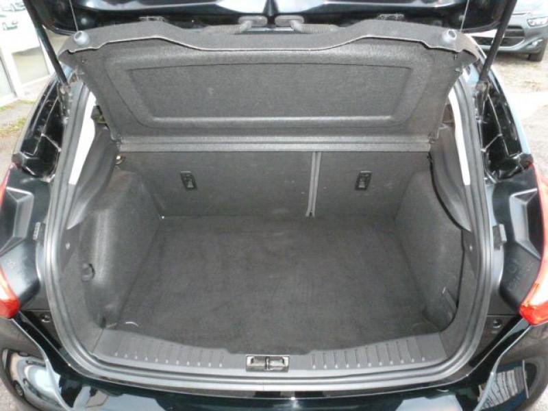 Photo 15 de l'offre de FORD FOCUS 1.6 TDCI 115CH STOP&START TREND à 13490€ chez Azur Automobile