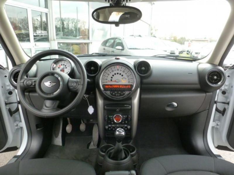 Photo 6 de l'offre de MINI COUNTRYMAN COOPER D 112CH à 19990€ chez Azur Automobile