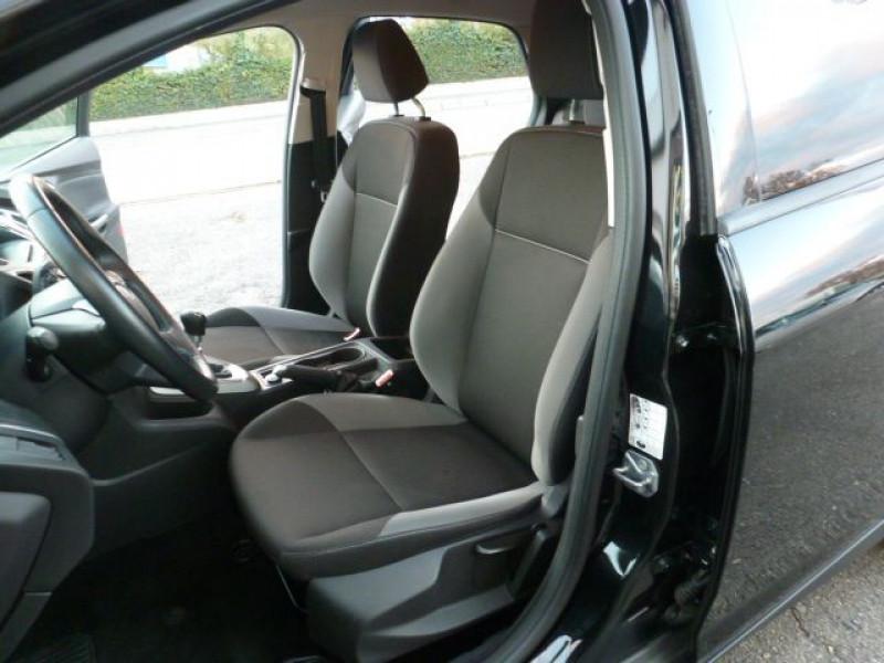 Photo 10 de l'offre de FORD FOCUS 1.6 TDCI 115CH STOP&START TREND à 13490€ chez Azur Automobile