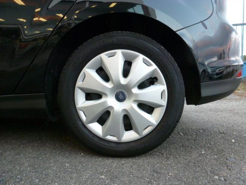 Photo 27 de l'offre de FORD FOCUS 1.6 TDCI 115CH STOP&START TREND à 13490€ chez Azur Automobile