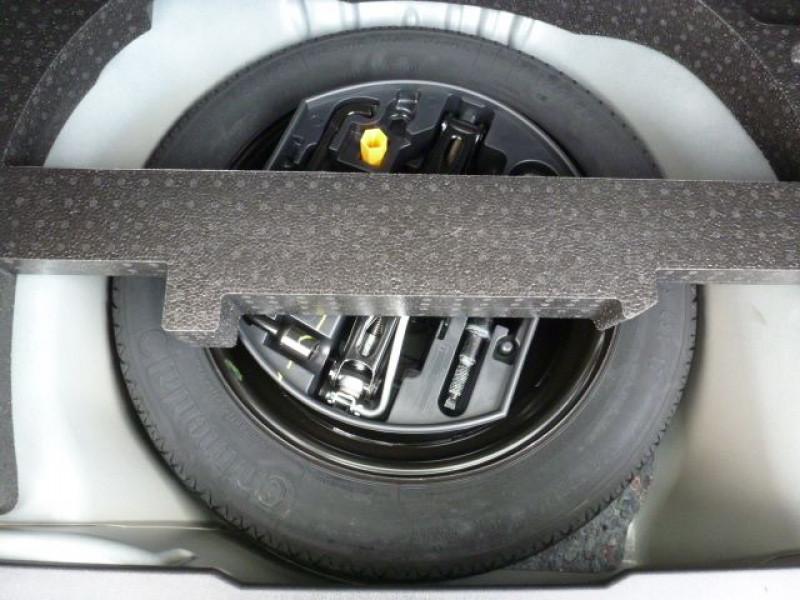 Photo 13 de l'offre de PEUGEOT 2008 1.6 E-HDI115 FAP ALLURE à 19900€ chez Azur Automobile