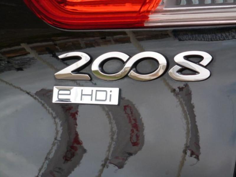 Photo 38 de l'offre de PEUGEOT 2008 1.6 E-HDI115 FAP ALLURE à 19900€ chez Azur Automobile