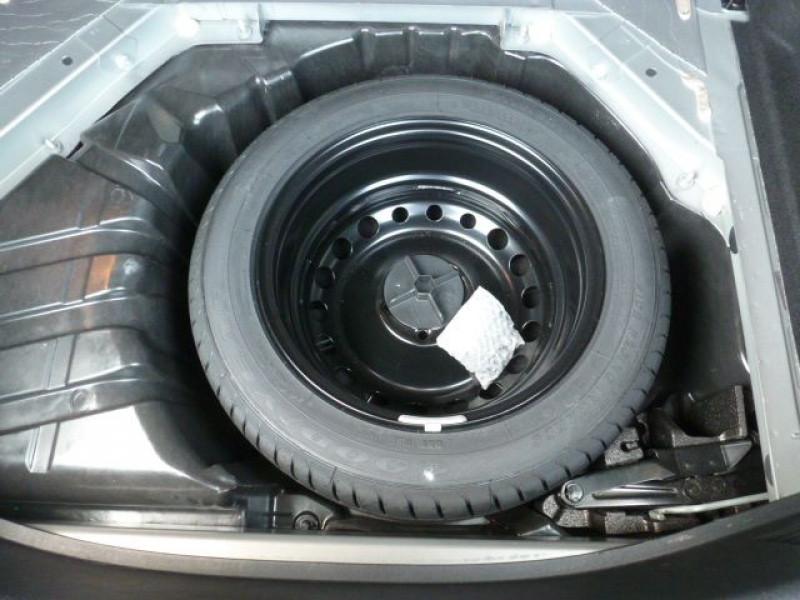 Photo 15 de l'offre de RENAULT MEGANE III 1.5 DCI110 FAP EXPRESSION ECO² à 14990€ chez Azur Automobile