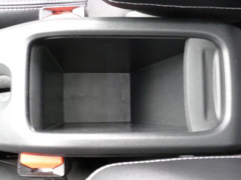 Photo 27 de l'offre de PEUGEOT 2008 1.6 E-HDI115 FAP ALLURE à 19900€ chez Azur Automobile