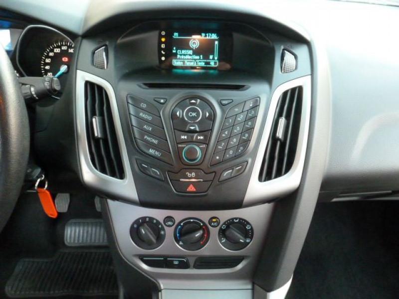 Photo 9 de l'offre de FORD FOCUS 1.6 TDCI 115CH STOP&START TREND à 13490€ chez Azur Automobile