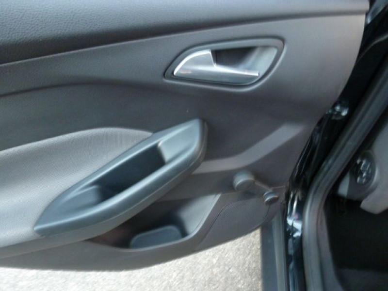 Photo 25 de l'offre de FORD FOCUS 1.6 TDCI 115CH STOP&START TREND à 13490€ chez Azur Automobile