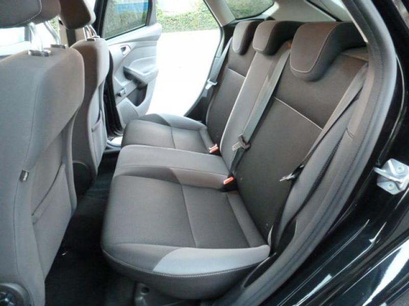 Photo 8 de l'offre de FORD FOCUS 1.6 TDCI 115CH STOP&START TREND à 13490€ chez Azur Automobile