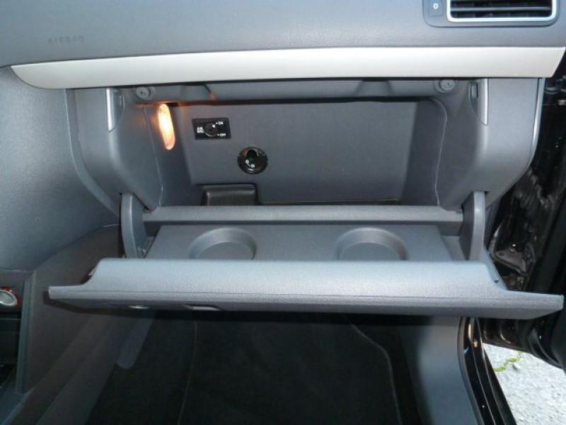 Photo 34 de l'offre de VOLKSWAGEN TOURAN 1.6 TDI 105CH FAP CONFORTLINE à 19350€ chez Azur Automobile