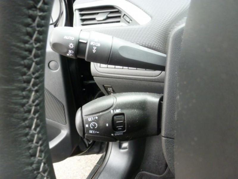 Photo 19 de l'offre de PEUGEOT 2008 1.6 E-HDI115 FAP ALLURE à 19900€ chez Azur Automobile