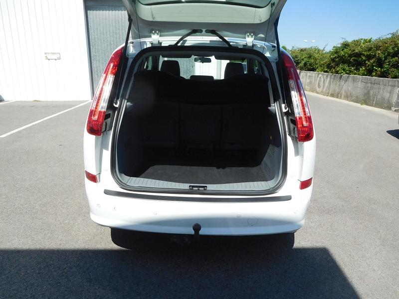 Photo 9 de l'offre de FORD C-MAX 1.6 TDCI 90CH TREND à 4900€ chez Automobiles Raoul Moço