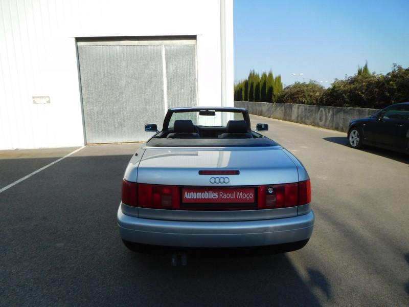 Photo 13 de l'offre de AUDI CABRIOLET 1.9 TDI 90CH à 15900€ chez Automobiles Raoul Moço