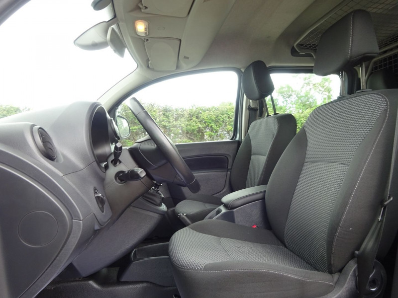 Photo 4 de l'offre de MERCEDES-BENZ CITAN 111 CDI EXTRA LONG MIXTO EURO6 à 13900€ chez Automobiles Raoul Moço