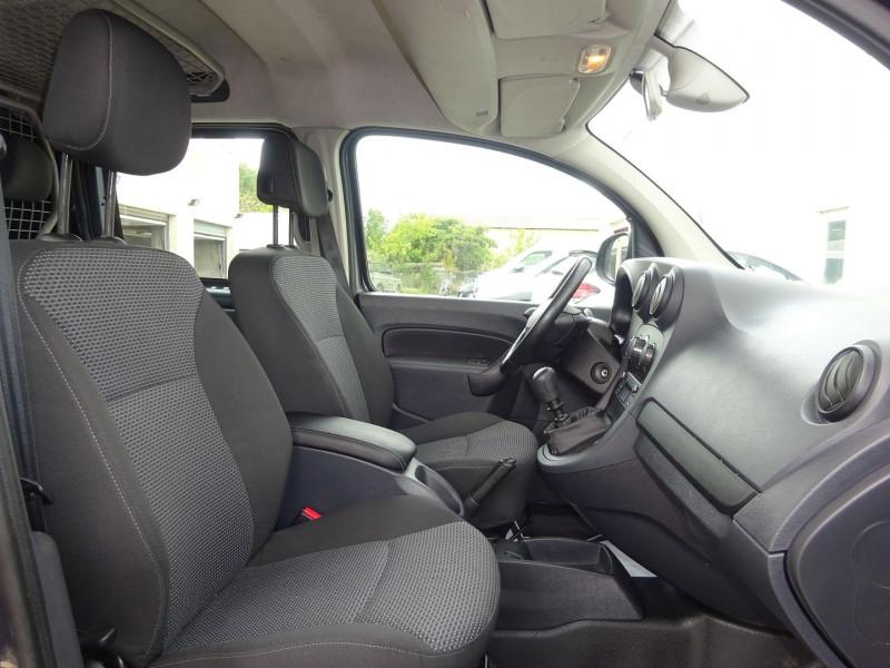 Photo 5 de l'offre de MERCEDES-BENZ CITAN 111 CDI EXTRA LONG MIXTO EURO6 à 13900€ chez Automobiles Raoul Moço