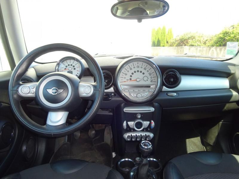 Photo 6 de l'offre de MINI CLUBMAN COOPER 120CH à 6900€ chez Automobiles Raoul Moço