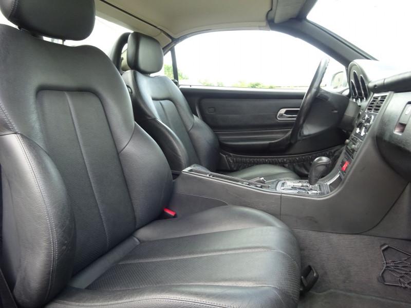 Photo 7 de l'offre de MERCEDES-BENZ CLASSE SLK (R170) 320 BA à 7900€ chez Automobiles Raoul Moço